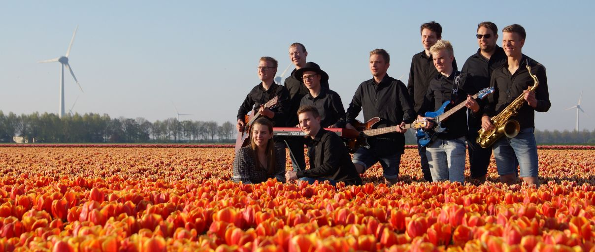 PopUp Band in de rode tulpen 2019.